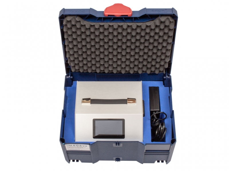 Ionometer and accessories have their own place in the case